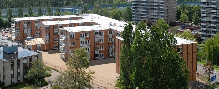Velp, 23 mei 2006. Uizicht over Velp vanaf het dak van het Ziekenhuis, richting Zorgcentrum Intermezzo en Ulenpas Foto: Marc Pluim